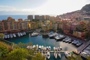 Vue de Monaco de jour.